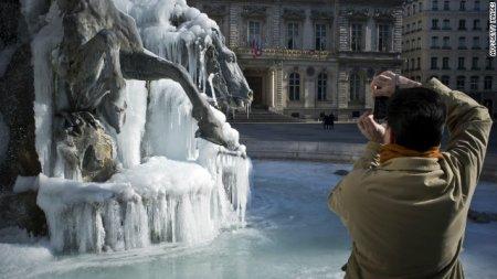 Холода не отпускают Европу