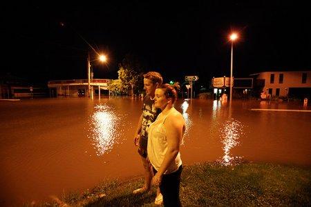 Тысячи австралийцев были эвакуированы в результате наводнений
