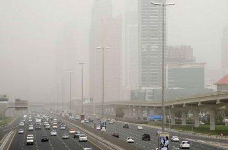Сильнейшая песчаная буря на Аравийском полуострове за последние несколько лет