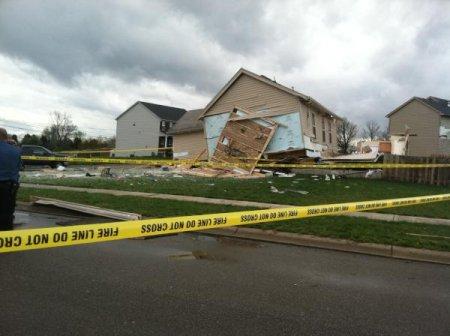 Более 10 торнадо прошлись по нескольким штатам США