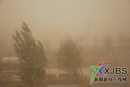 В Китае бушует ветряная буря и пожары