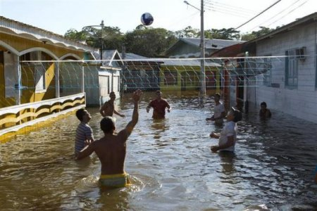 Высыхающая и затопленная Бразилия: фотофакты