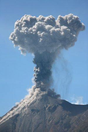 Второе извержение вулкана Фуэго