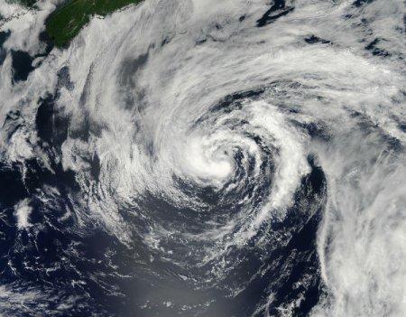 В Атлантике обнаружен тропический зомби-шторм