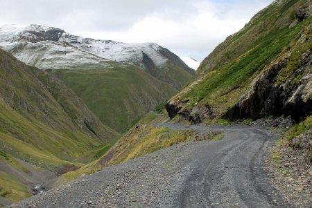 Летний снегопад в Грузии