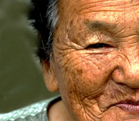 Японки потеряли статус долгожительниц из-за природных катастроф