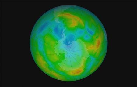 Озоновая дыра становится меньше