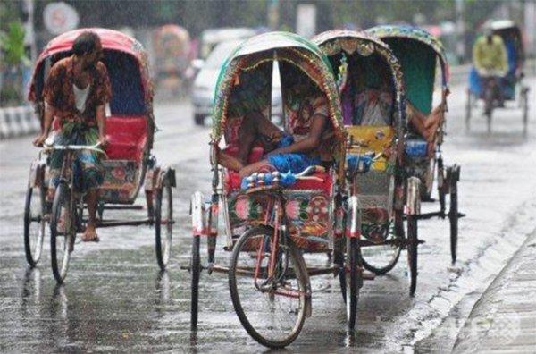 Шторм в Бангладеш оказался смертельным для 23 человек