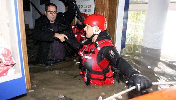 Наводнение во Франции застало паломников врасплох