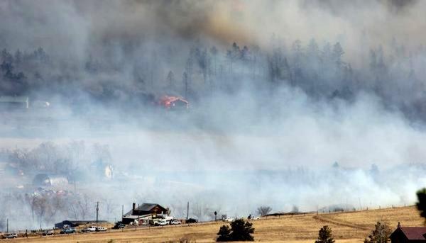 В штате Колорадо возник лесной пожар
