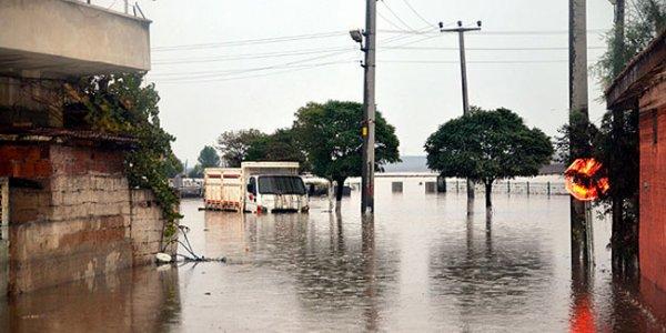 На о. Ямайка налетел ураган