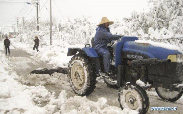 Север Китая парализован снегопадом