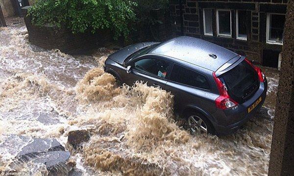 В западной части графства Йоркшир произошло наводнение