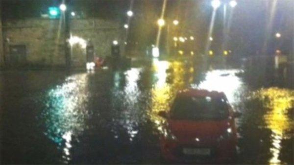 Шторм в Северной Ирландии поверг в шок все Британские острова