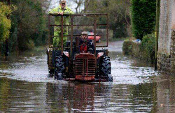 Лондон и окрестности не могут оправиться после шторма