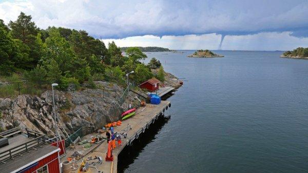 Снегопады и торнадо – вот признаки норвежского лета
